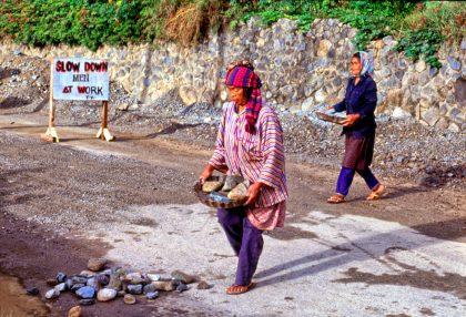 Women at work, Philippines - Gerry Atkinson