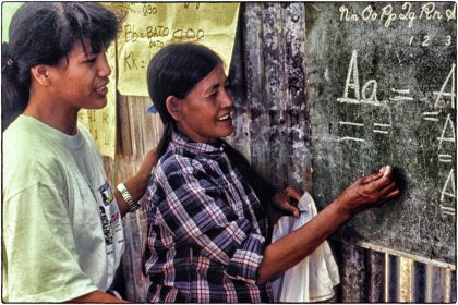 Teaching urban poor, Philippines - Gerry Atkinson